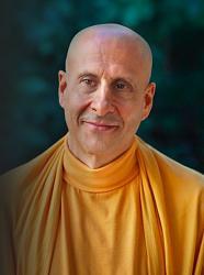 Нажмите на изображение для увеличения.  Название:radhanath-swami-face.jpg Просмотров:44 Размер:28.8 Кб ID:1973